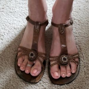 Chinese Laundry Brown/Gold beaded sandals